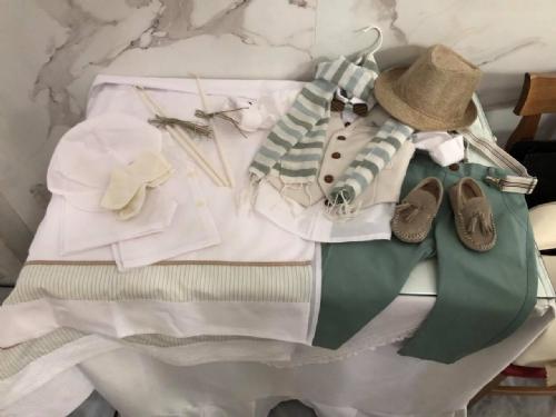 βαπτιστικό ρούχο για αγόρι μέντα μπεζ χρώματα ξύλινο παπιγιόν