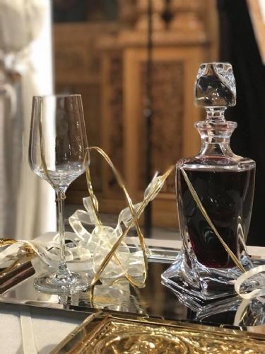 Στέφανα ποτήρι και καράφα γάμου βέρες χρυσές και ασημί