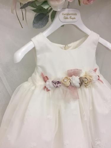 Χειροποίητα λουλούδια με στρας και πέρλες στο βαπτιστικό φόρεμα σας
