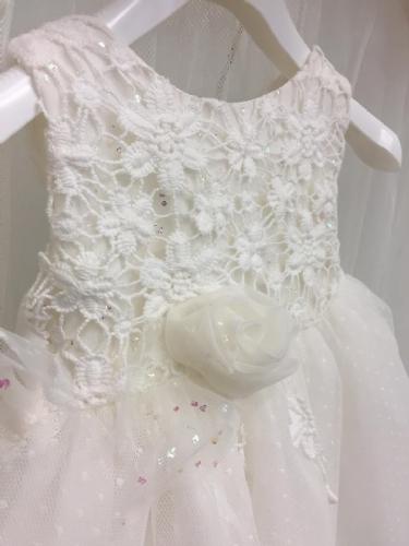 Βαπτιστικό φόρεμα με δαντέλα και στρας στο μπούστο