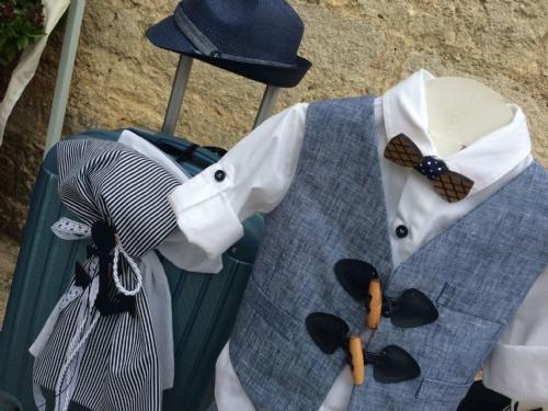 λινό καλοκαιρινό βαπτιστικό ρούχο για αγόρι με ξύλινο παπιγιόν