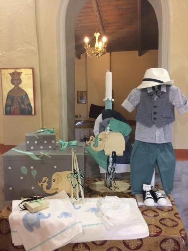 Βαπτιστικό πακέτο για αγόρι μέντα μπλε με ξύλινο μπαούλο με ελεφαντάκι