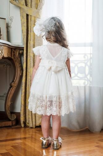 εξαιρετικό ρομαντικό φόρεμα βάπτισης ιβουάρ άσπρο με δαντέλα λουλούδια τρέσα