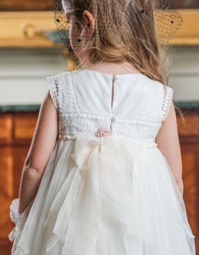 βαπτιστικά ρούχα για κορίτσι από δαντέλα άνοιγμα στη πλάτη φούστα με ουρά όμορφο ρομαντικό καλοκαίρι