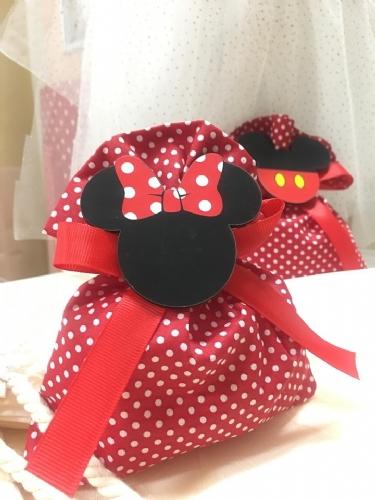 μπομπονιέρα βάπτισης κόκκινο πουά πουγκί με minnie mouse μίνι μίκυ μαγνητάκι