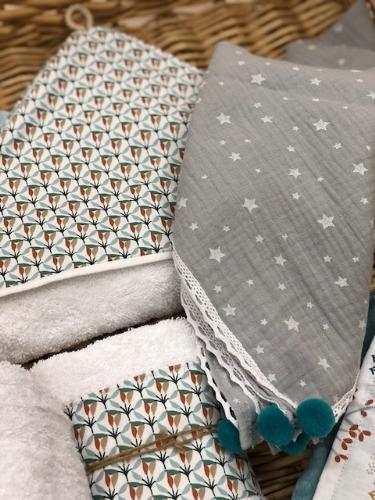 μουσελίνα βαμβακερή οργανική γκρι με αστεράκια