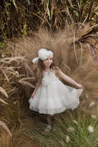 βαπτιστικό φόρεμα για κορίτσι δαντέλα με ουρά