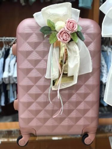 βαλίτσα βάπτισης για κορίτσι σάπιο μήλο χρυσό λουλούδια δαντέλα