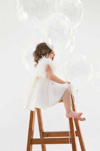βαπτιστικό φόρεμα πουά με μανίκια