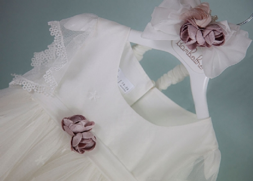 βαπτιστικά ρούχα για κορίτσι με δαντέλα φούστα σάπιο μήλο λουλούδια